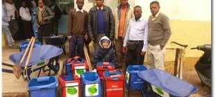 Tsirymada e Tsiryparma contribuiscono alla pulizia della cittadina di Ambositra