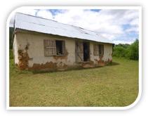 Una delle tre scuole da riparare ed adibire ad asilo.
