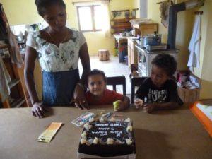 Nirina ed i bimbi di Nicola